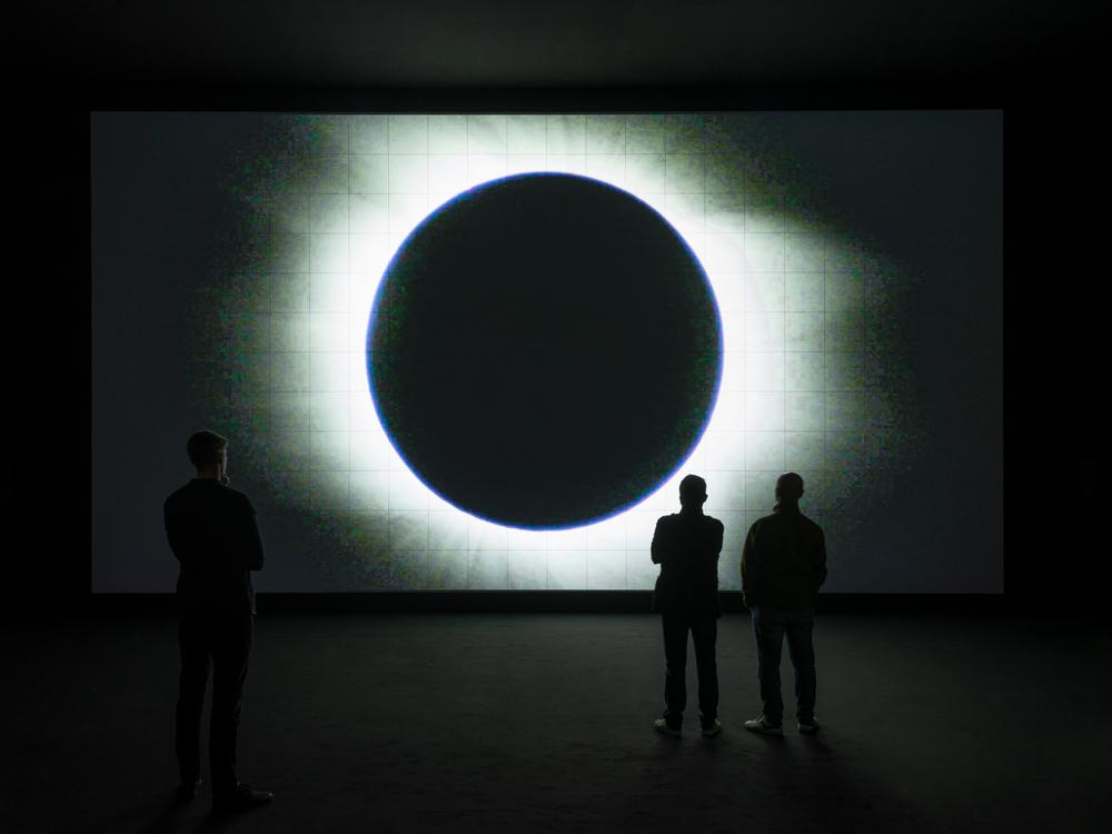 Vue de l'installation de l'artiste Ryoji Ikeda à la 58e Biennale de Venise.