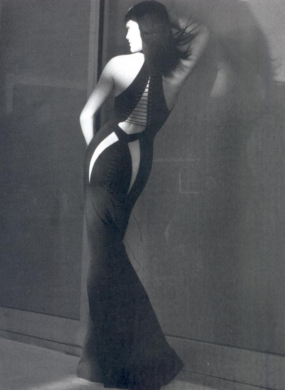 Elektra by Tom Munro styled by George Cortina. Model: Hilary Rhoda (Paru dans le Numéro 86)