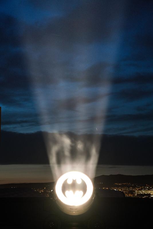 """""""Bat Signal 1989"""", Alex Israel, 2019, © We Are Content(s), Courtesy of MAMO, Marseille Modulor (2)"""