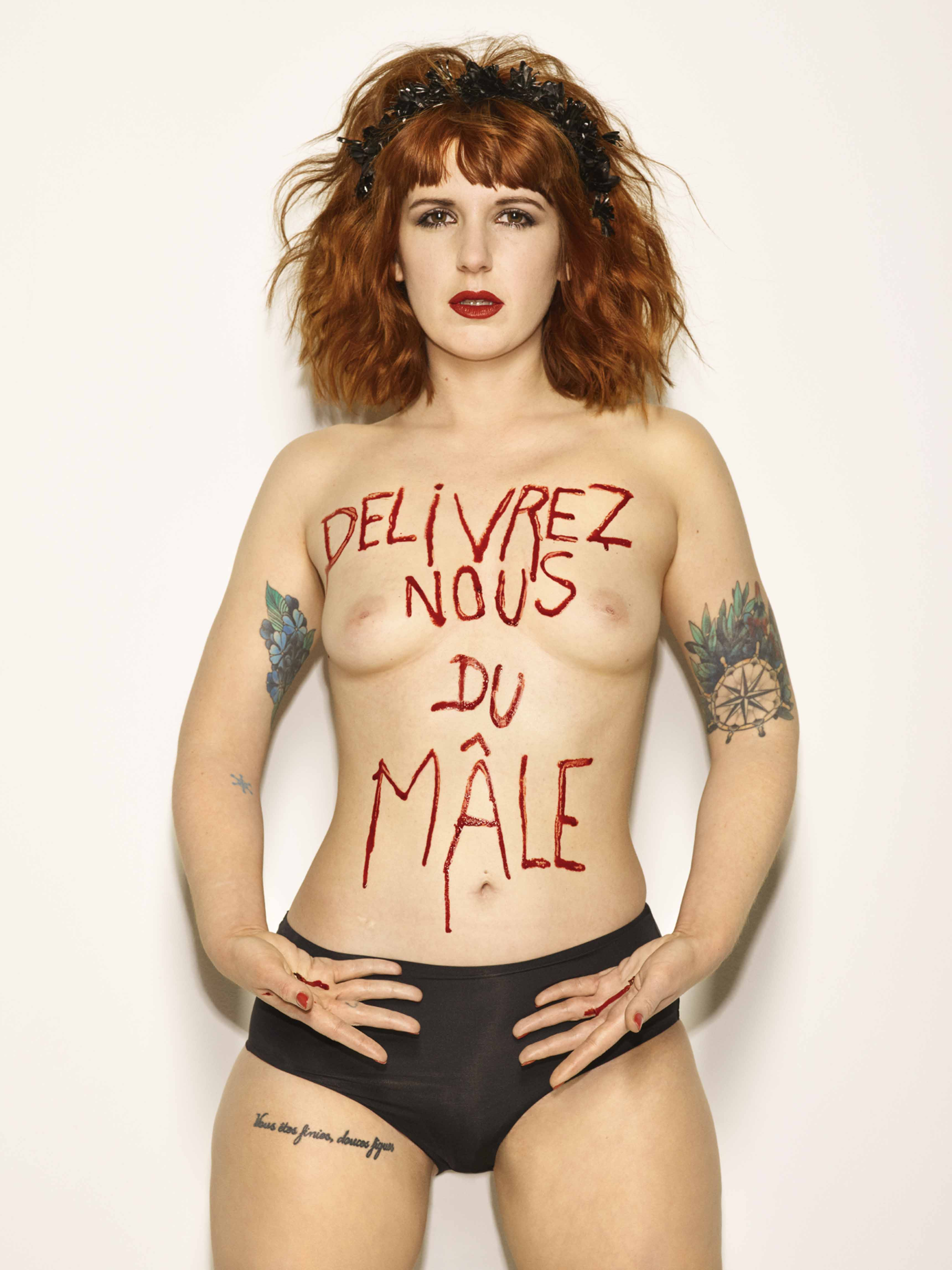 Bettina Rheims, Sarah Constantin, Délivrez nous du Mâle, mai 2017, Paris © Bettina Rheims courtesy Galerie Xippas