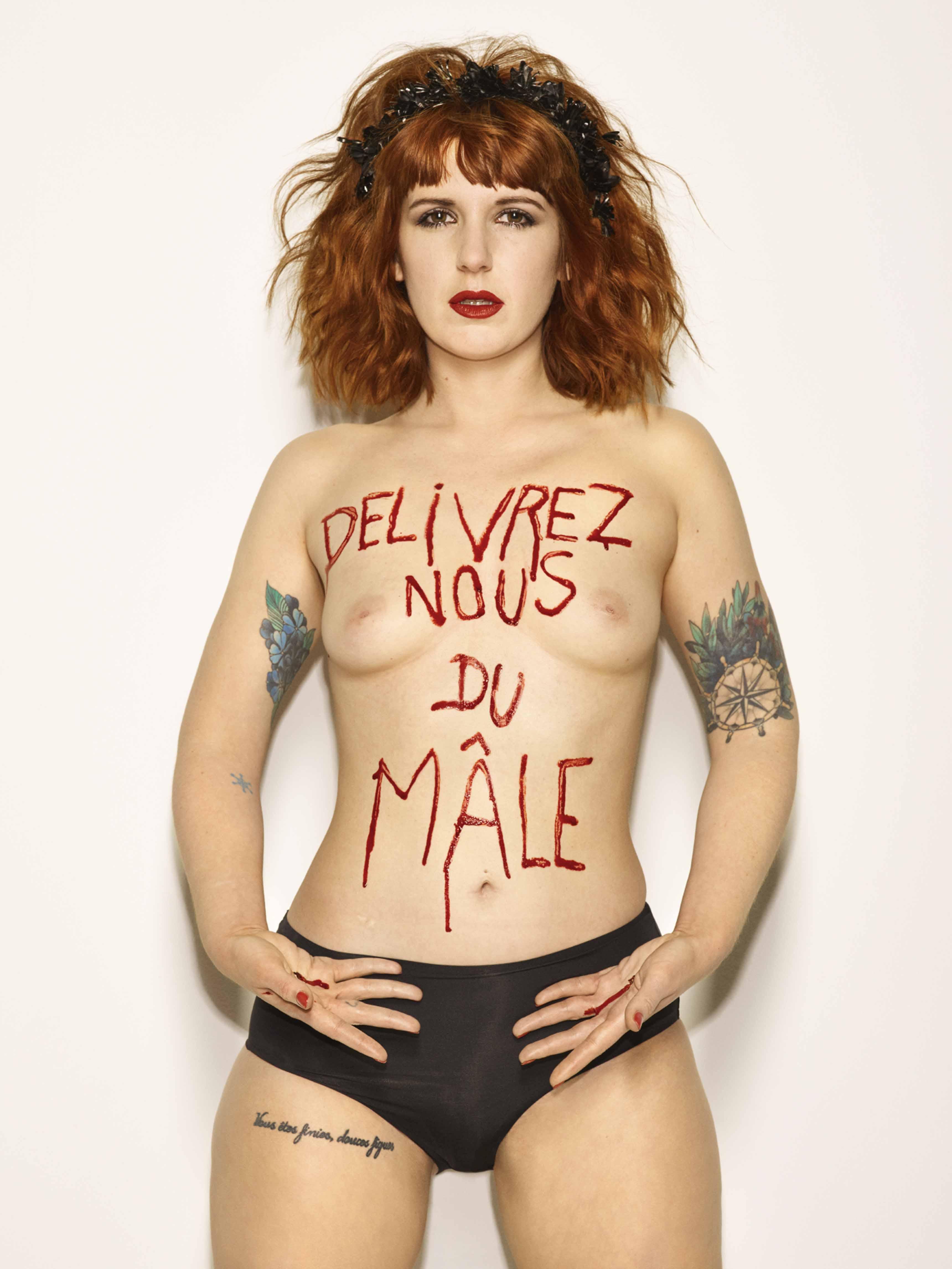 Bettina Rheims, Sarah Constantin, Délivrez nous du Mâle, mai 2017, Paris © Bettina Rheims courtesy Galerie Xippas