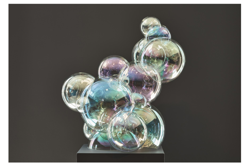 Still Wonder (2018), BOROSILICATE GLASS, ROBOTIC, IRIDESCENT OIL EFFECT, HAND UV GLUED, 78,5 CM (H), 74 CM (L) 54,5 CM (W)