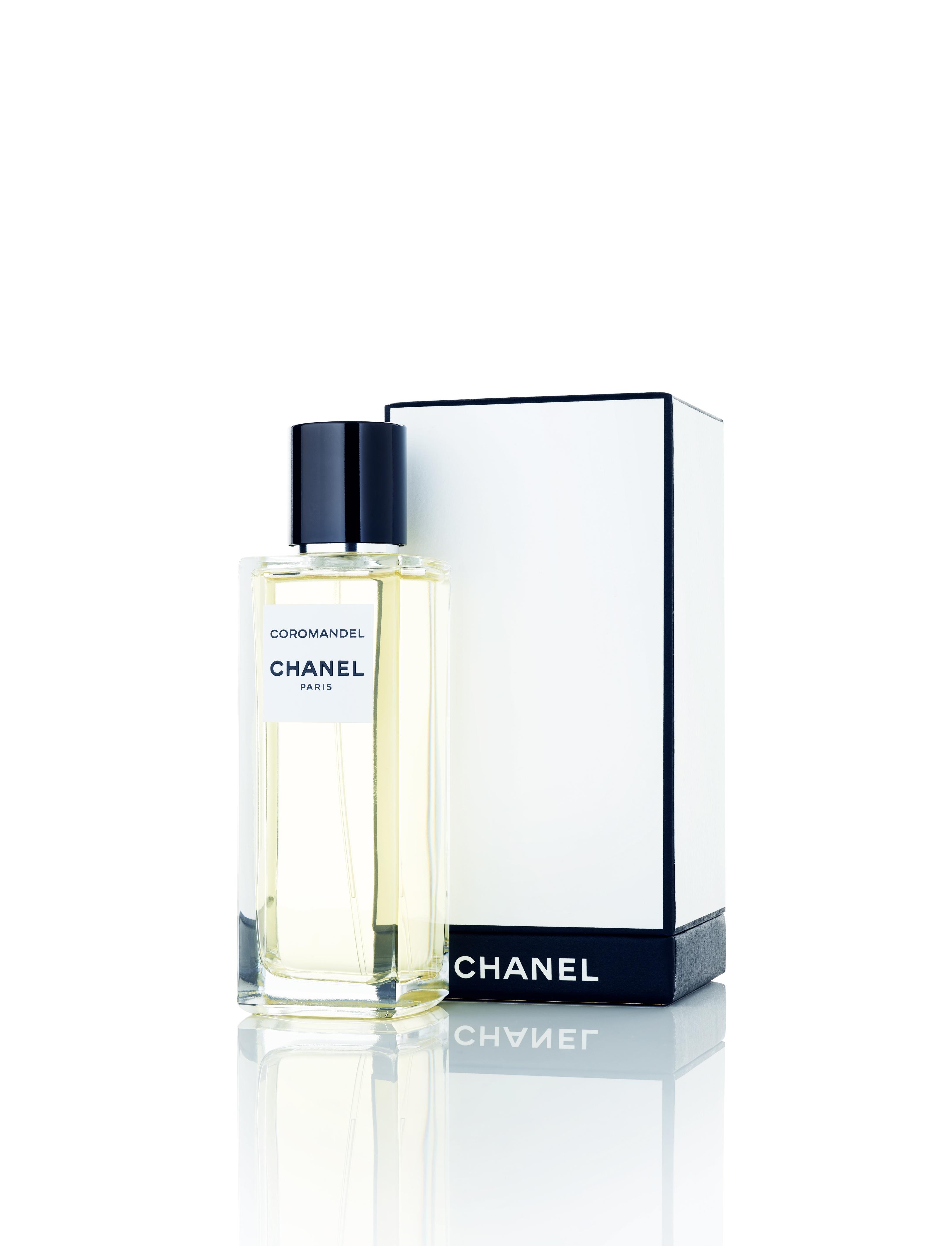 """""""Coromandel"""", eau de parfum, collection Les Exclusifs, CHANEL. À découvrir également dans la version """"Coromandel L'Extrait"""" ou dans l'édition limitée prestigieuse """"Coromandel et les Maisons d'Art""""."""