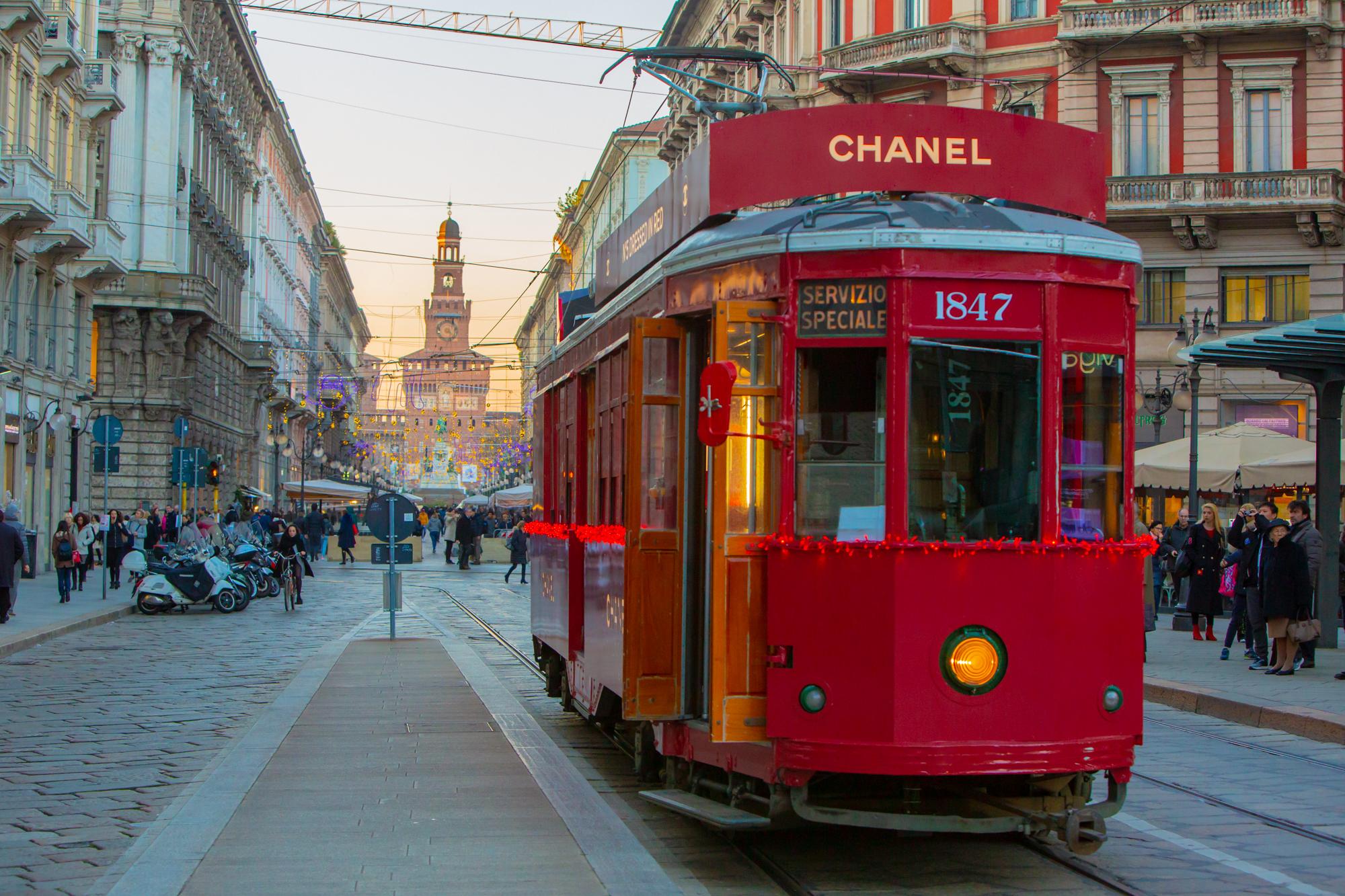 Un tramway estampillé Chanel.
