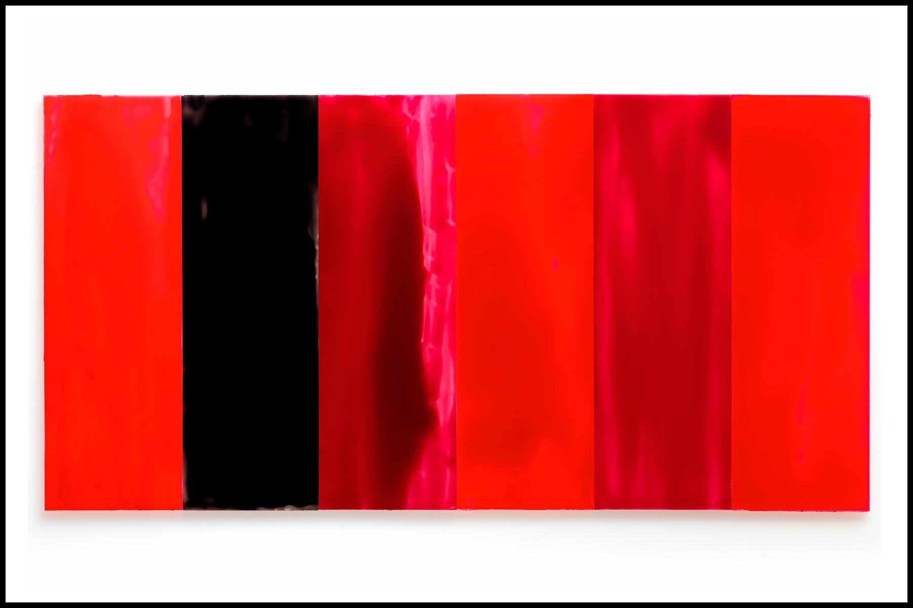 Peinture sur verre à l'aide de vernis. Réalisation Laurence Hovart. Photographie Eric Maillet. Numéro 127.
