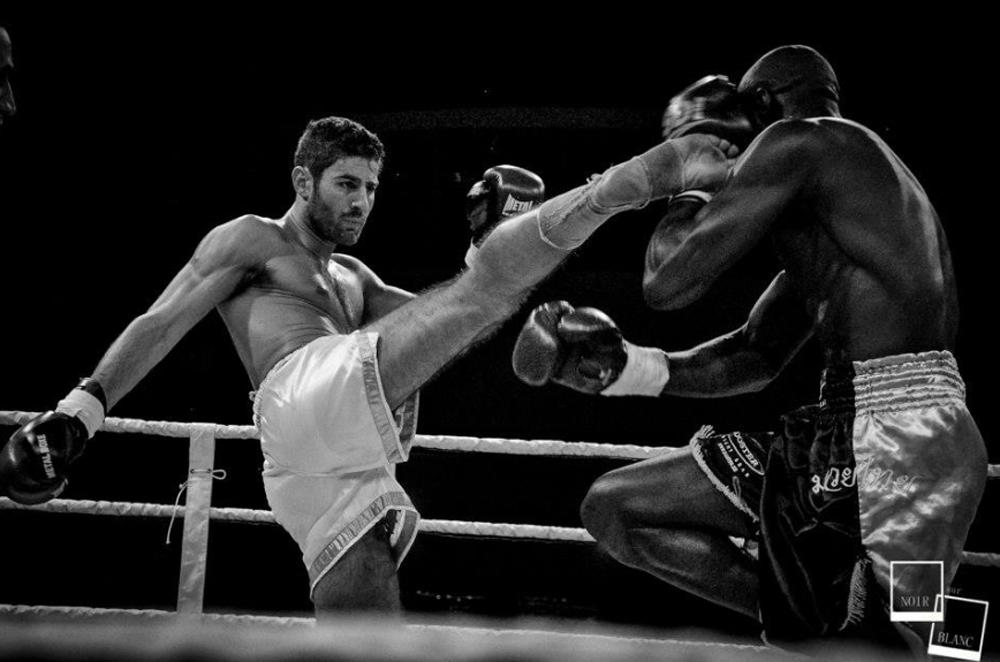 Cyril Benzaquen, double champion du monde de boxe thaï est l'invité de Delphine Roche.