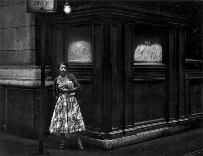 """Chicago"", 1956 © Dave Heath / Collection Torosian, courtesy Howard Greenberg Gallery, New York, et Stephen Bulger Gallery, Toronto."
