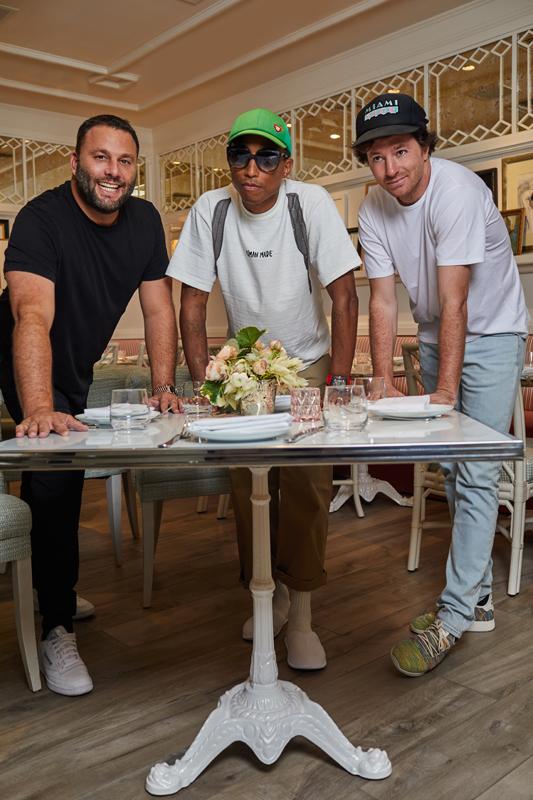 "David Grutman, Pharrell Williams et Jean Imbert au restaurant ""Swan"" à Miami."