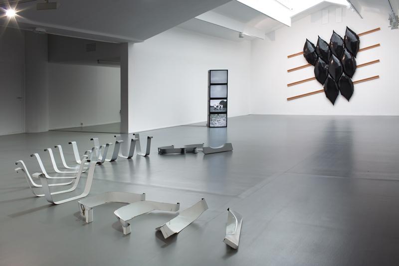 "Vue de l'exposition ""Dorian Sari : La Parade de l'aveuglement"" au Centre culturel suisse (2020). © Margot Montigny"