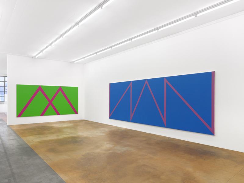 Vue de l'exposition d'Olivier Mosset au MAMCO, Genève (2020). Photo : Annik Wetter