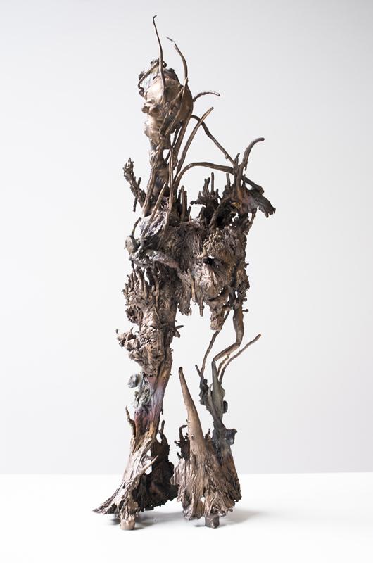 Matrice Minerale, 2018, bronze, eau, courant électrique. Courtesy of the artist and kamel mennour, Paris/London.