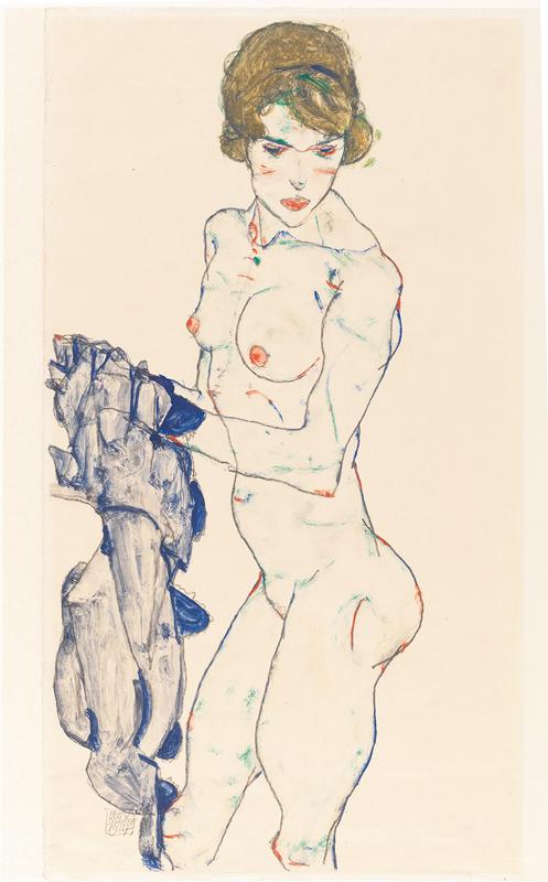 """""""Nu féminin debout avec tissu bleu"""" (1914) d'Egon Schiele. Gouache, aquarelle et mine de plomb sur papier vélin, 48,3 × 32,2 cm. Germanisches Nationalmuseum, Nuremberg"""