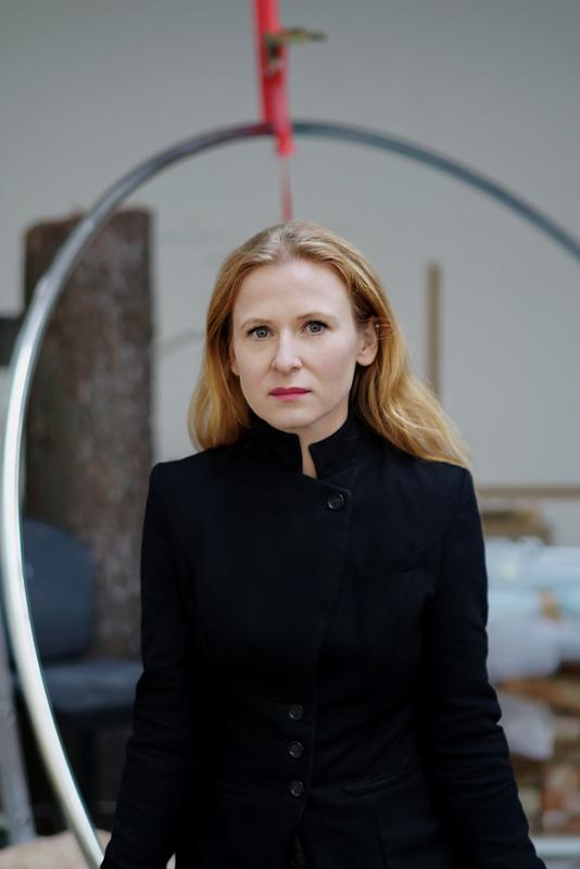 Portrait d'Alicja Kwade ©Luise Müller-Hofstege (2017)