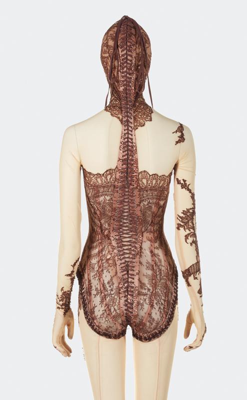 Jean Paul Gaultier, Combinaison corset, Automne-Hiver 2003-04 © Aurélie Dupuis/ Jean Paul Gaultier/ Azentis