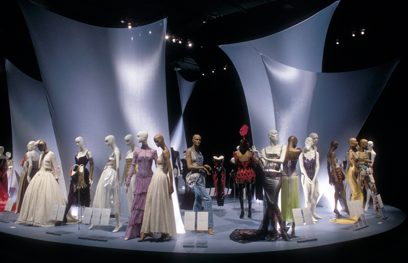 """The Corset: Fashioning the Body"" (January 25, 2000 – April 22, 2000)"