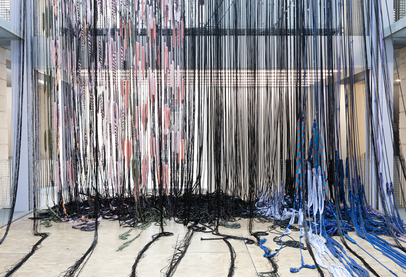 """Vue d'exposition : """"Hella Jongerius, Entrelacs, une recherche tissée"""" (2019). Lafayette Anticipations, Paris © Roel van Tour"""