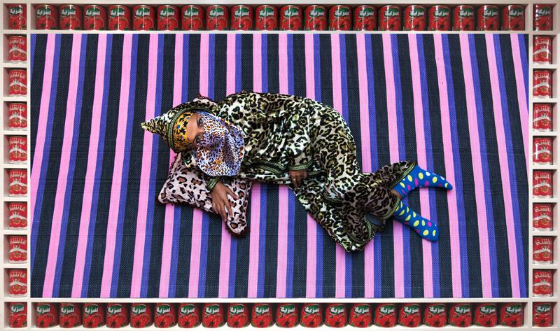 "Hassan Hajjaj, ""Alya"", de la série ""Vogue : The Arab Issue"" © Hassan Hajjaj, 2014."