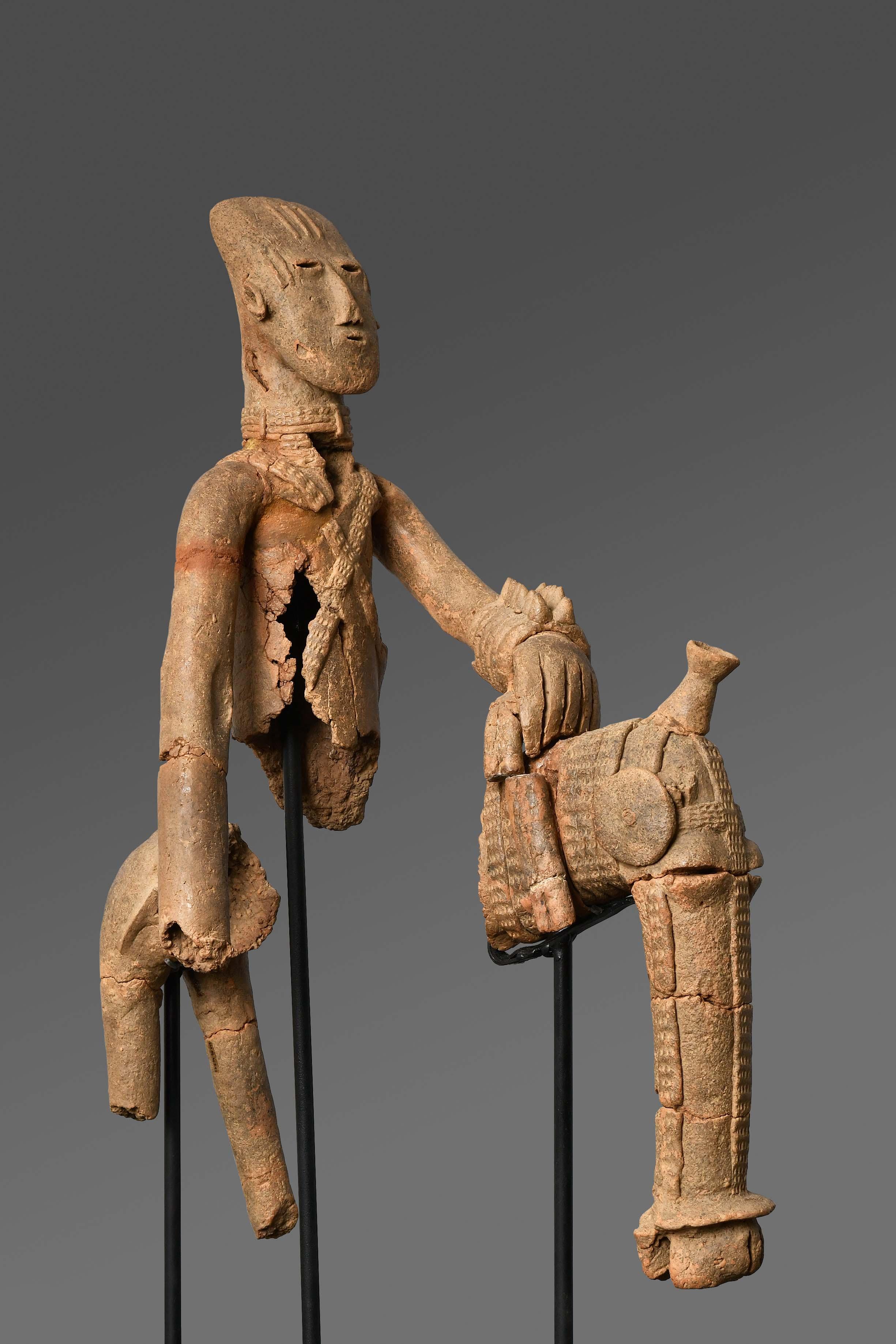 Equestrian, Bura-Asinda-Sikka Site, Niger 3rd–10th century,  Photo credit: © Photo Maurice Ascani. www.photographe-niger.com