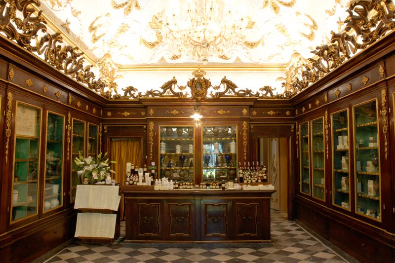 Officina Profumo-Farmaceutica di Santa Maria Novella, une des plus vieilles pharmacies du monde.