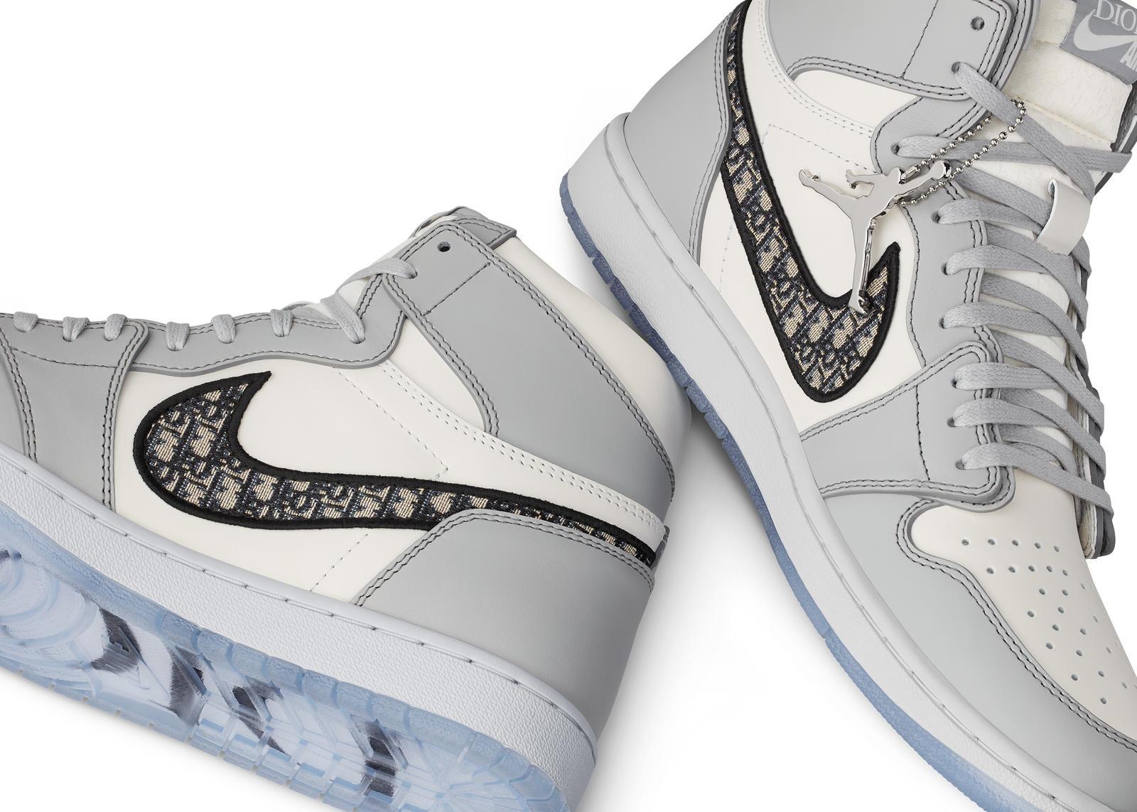 Air Jordan I High OG Dior.