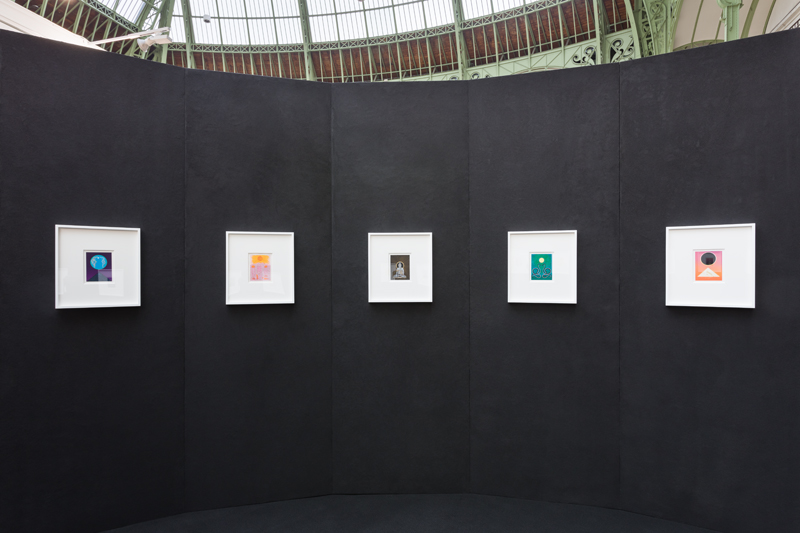 "Jennifer Guidi, ""11:11"", vue du stand de la galerie David Kordansky à la FIAC 2019, Grand Palais, Paris. Photographie: Mark Blower"