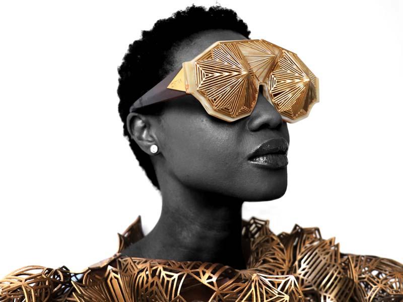 """Carol Muthiga, finaliste """"accessoires de mode"""" de la 35e édition du Festival d'Hyères avec son label Lolita Lorenzo."""