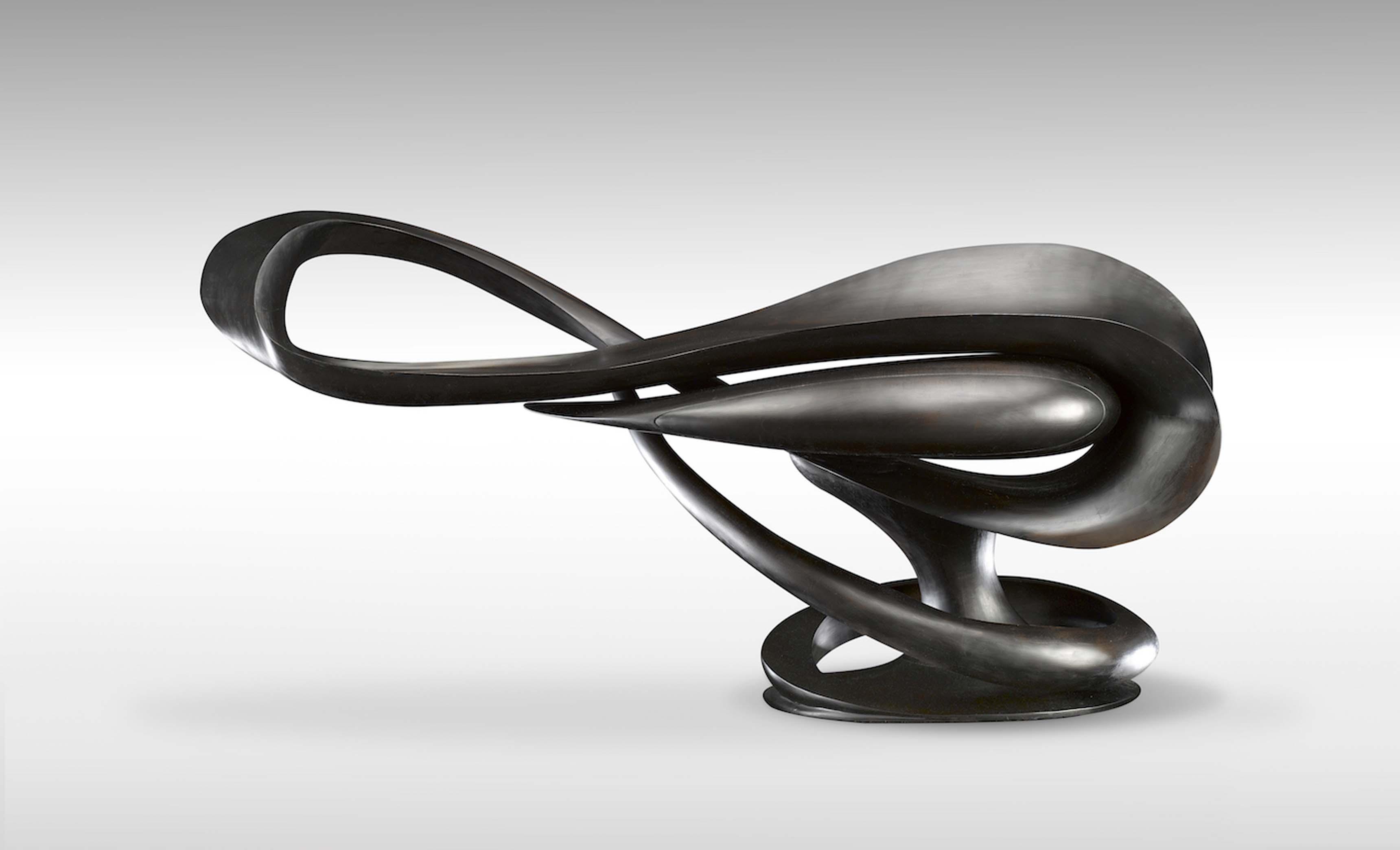 Console sculptée main (2017) érable ébonisé, H114/104 x L 238 x P 71 cm, édition limitée de 3.