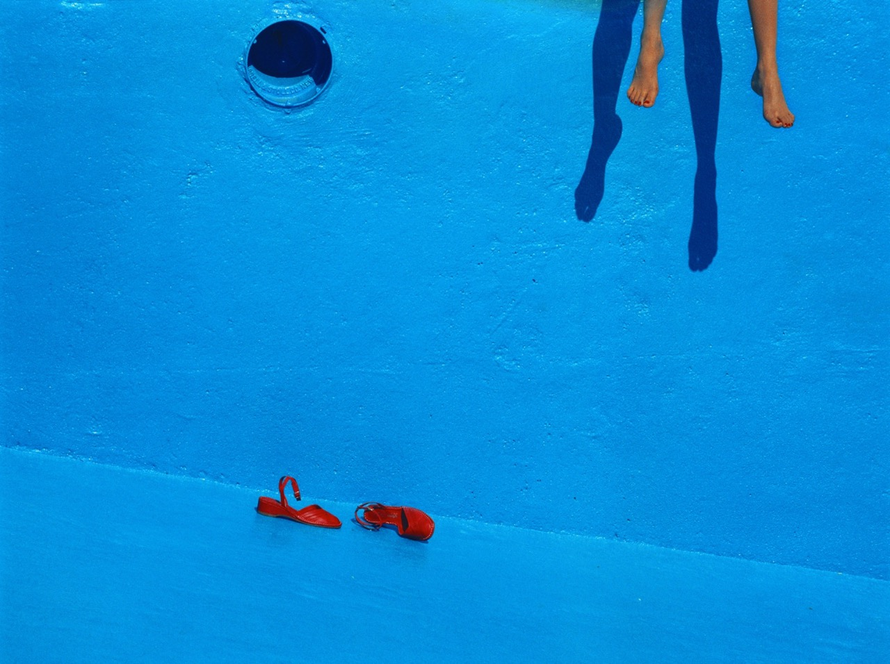 "Guy Bourdin, ""Charles Jourdan"" (printemps 1978). © The Guy Bourdin Estate, 2019"