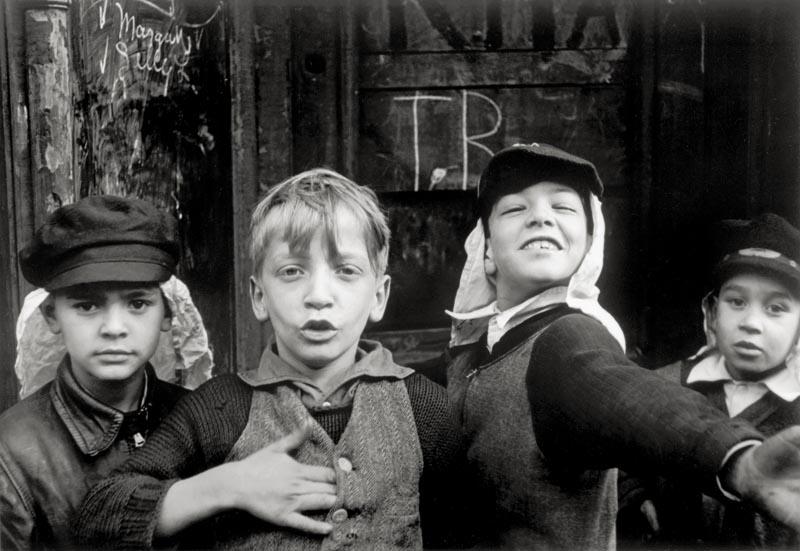 Helen Levitt, New York, 1940.