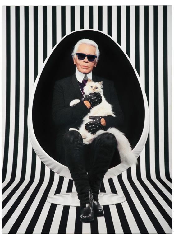 Karl Lagerfeld et sa chatte Choupette par Pierre et Gilles.