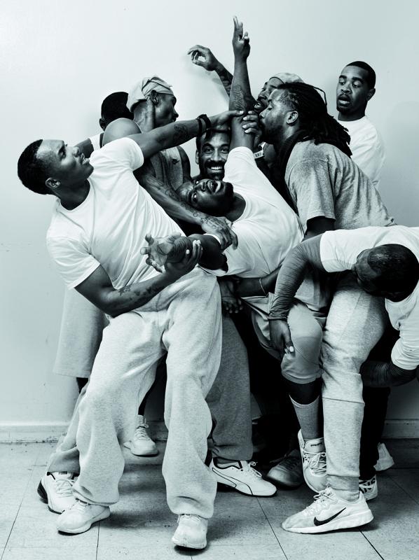 De gauche à droite : Tyson Atlas, Arshawn Green, Albert Beckley, Randolph Haliburton, Johnathan Hammon, Antonio Toy, Dimitri Gales, Baleegh Brown et Kenneth Webb.