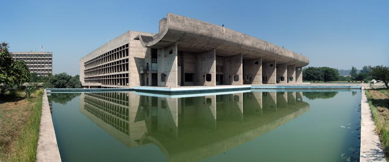 Capitole de la ville de Chandigarh, Chandigarh, Inde, 1951.Credits : Aviad2001.