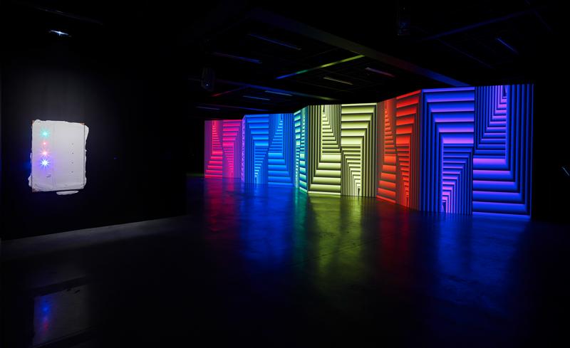 """Vue de l'exposition """"Florian et Michael Quistrebert. Zigzag"""" au CCC OD, 2019 © F. Fernandez - CCC OD, Tours. Courtesy des artistes et Crèvecoeur, Paris."""