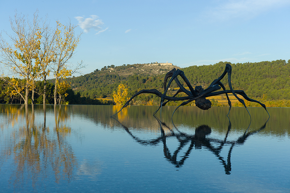 Louise Bourgeois, Crouching Spider.