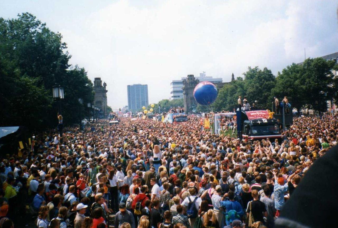 Love Parade de Berlin en 1998.
