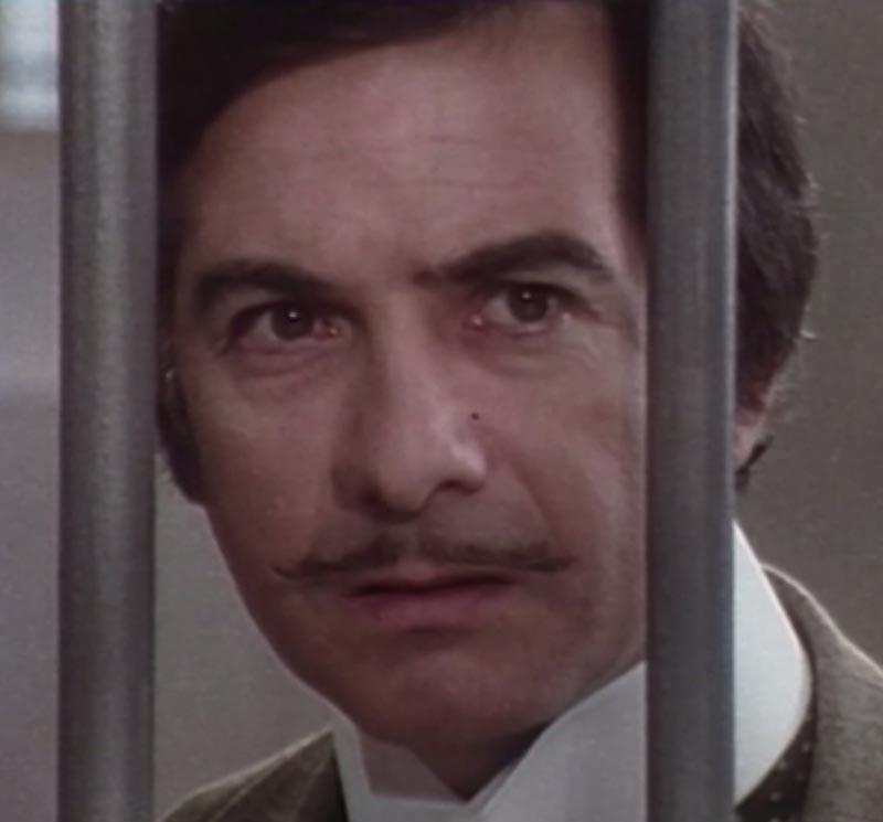 "Jean-Claude Brialy dans ""Arsène Lupin joue et perd"""
