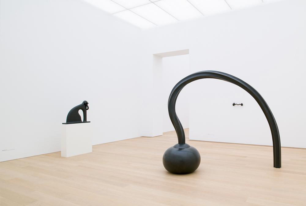 """""""Question"""" (2013-2014). Bronze, 222,2 x 272 x 87 cm. Martin Puryear. Courtesy Matthew Marks Gallery. Photo : Antoine van Kaam"""