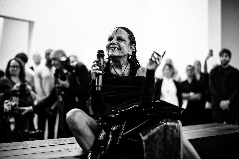 Michèle Lamy, lors de la performance de Rick Owens au Centre Pompidou © OwensCorp