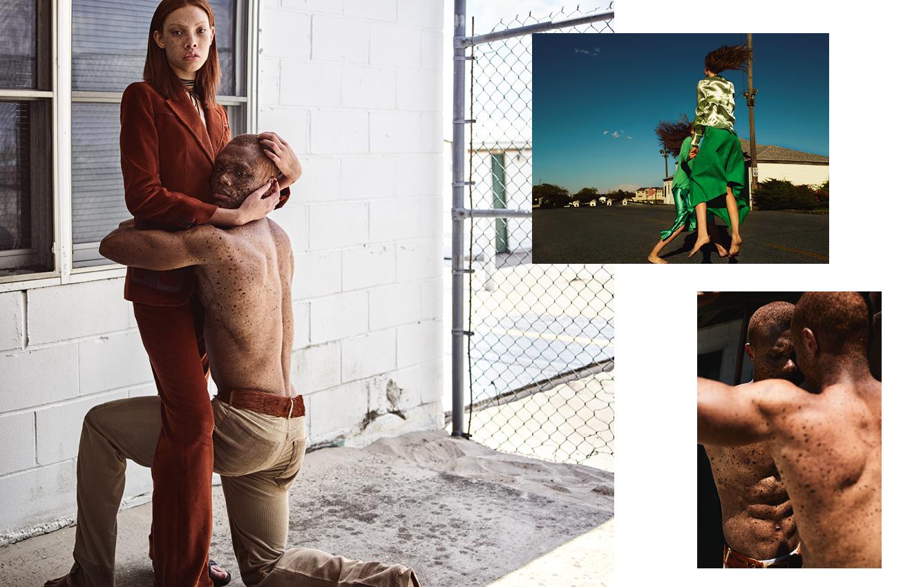Elle et lui : veste et pantalons en velours côtelé et sandales, PRADA.  En haut, elle devant : blouse en satin et jupe en veau velours, MULBERRY.