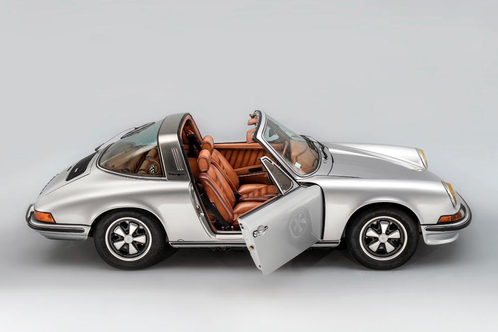 """Porsche 911 Targa 2,4 L """"S"""" par Berluti."""