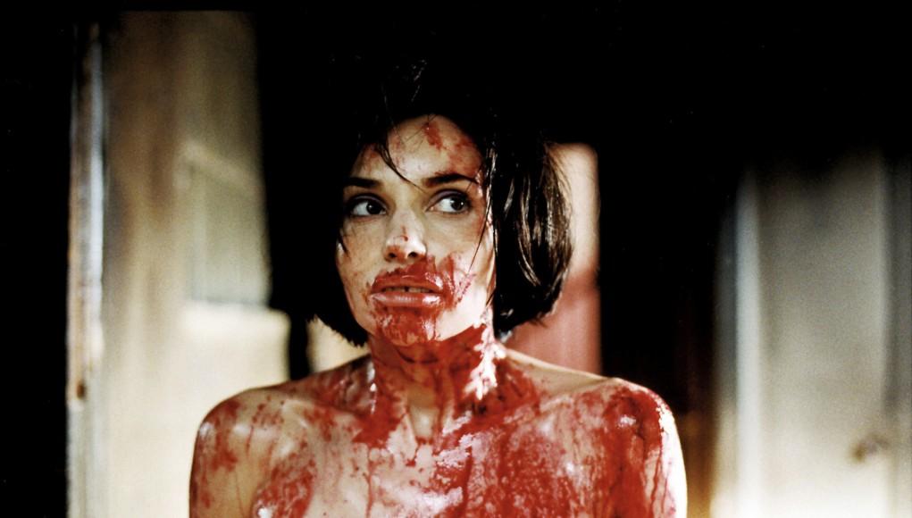 """Béatrice Dalle dans """"Trouble Every Day"""" de Claire Denis (2001)."""