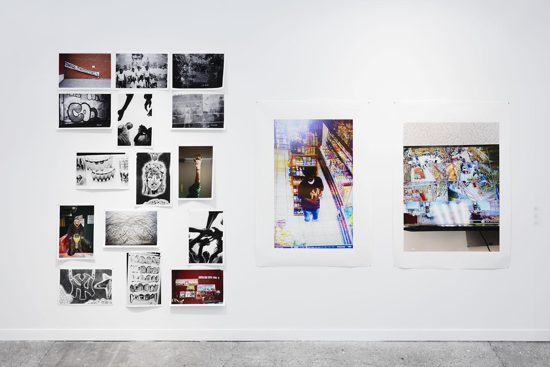 Vue du stand de la galerie Frank Elbaz qui accueille le solo show d'Ari Marcopoulos.