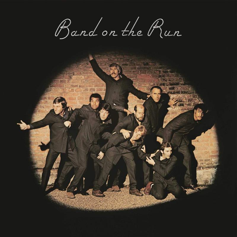 """La pochette de """"Band on the Run"""" par Clive Arrowsmith."""