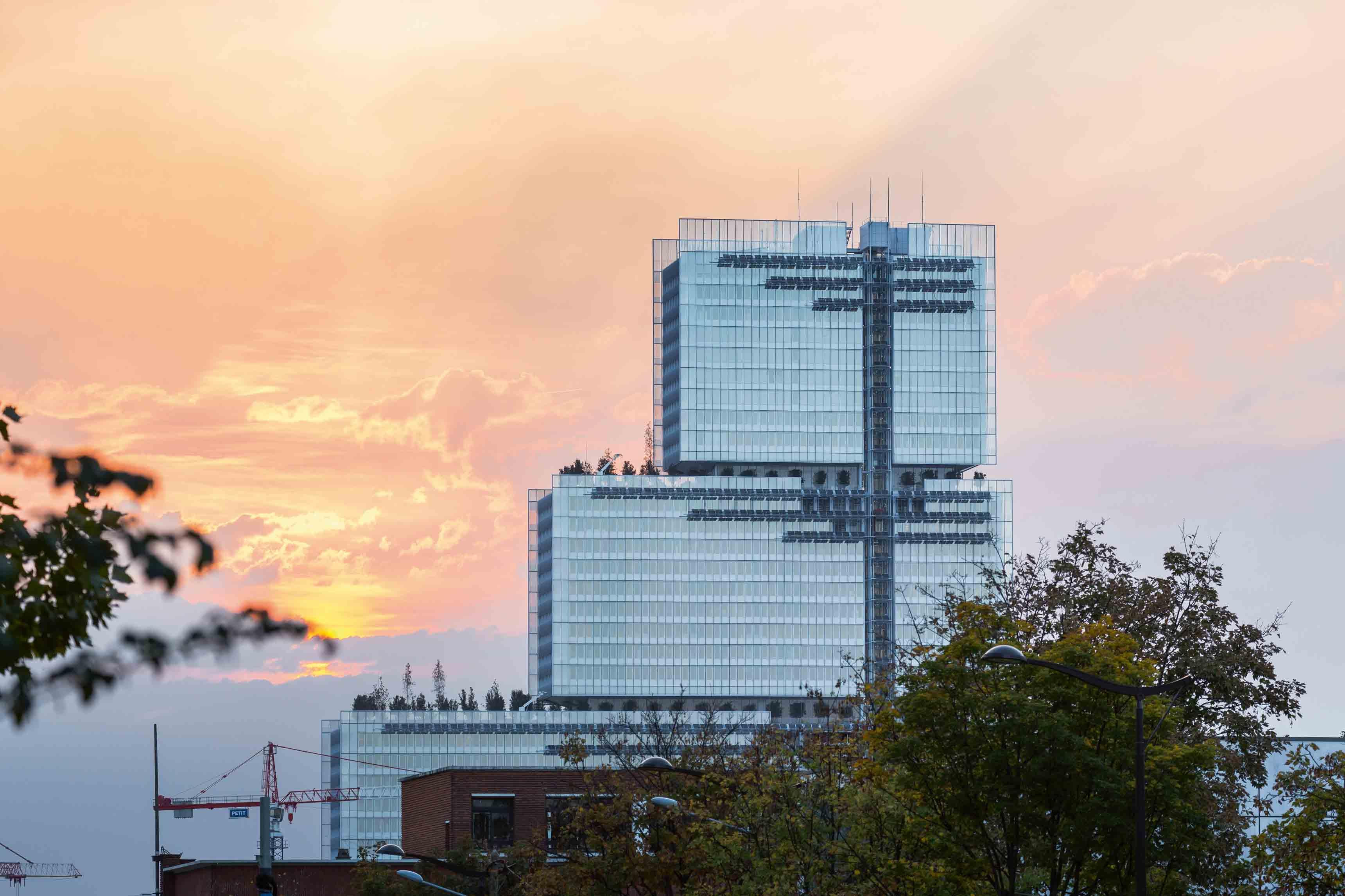 Vue de la façade est du nouveau Palais de justice de Paris, construit par Renzo Piano Building Workshop.