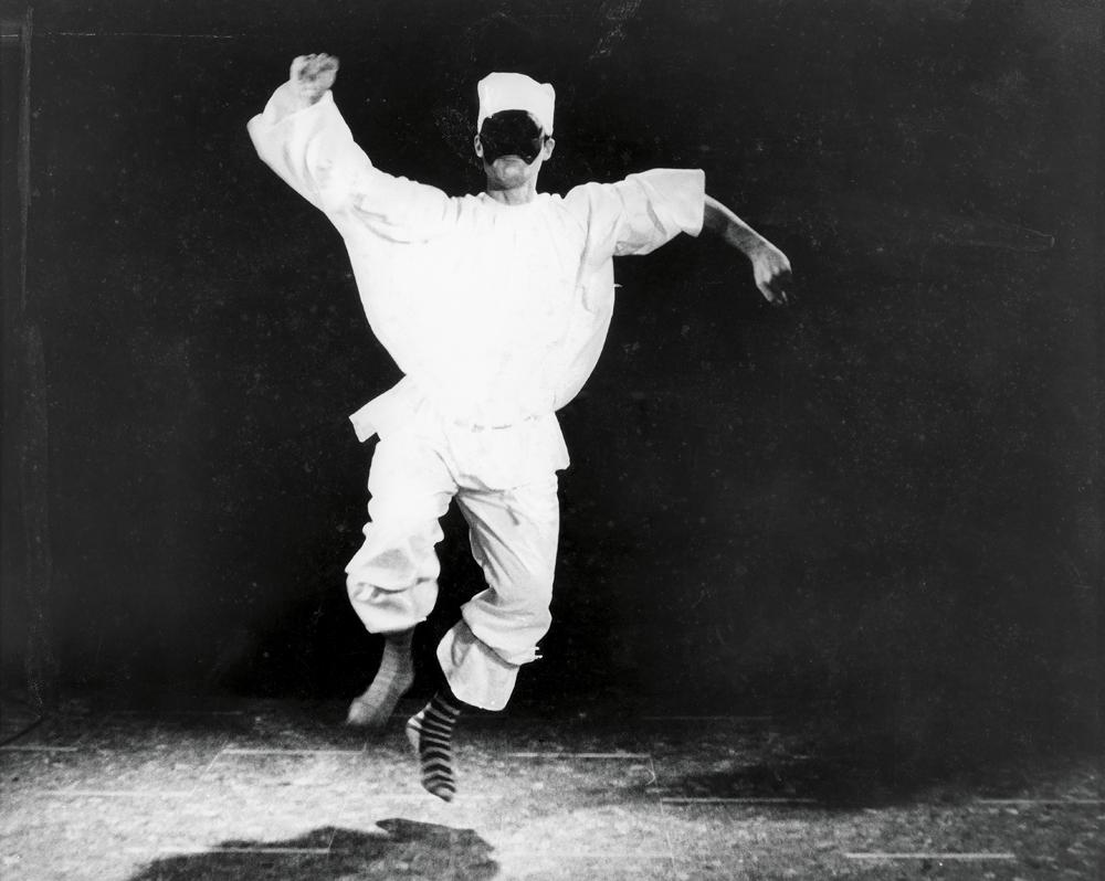 Pascali Pulcinella (Cirio Carousel Commercial) [1965]. Tirage argentique sur papier, 24 x 30 cm.