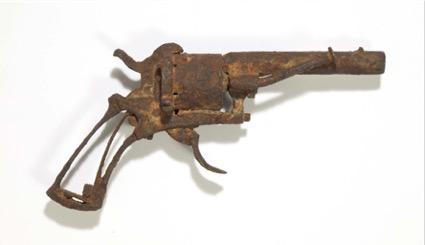 Le revolver qui aurait tué Vincent Van Gogh, adjugé 162 500 euros.