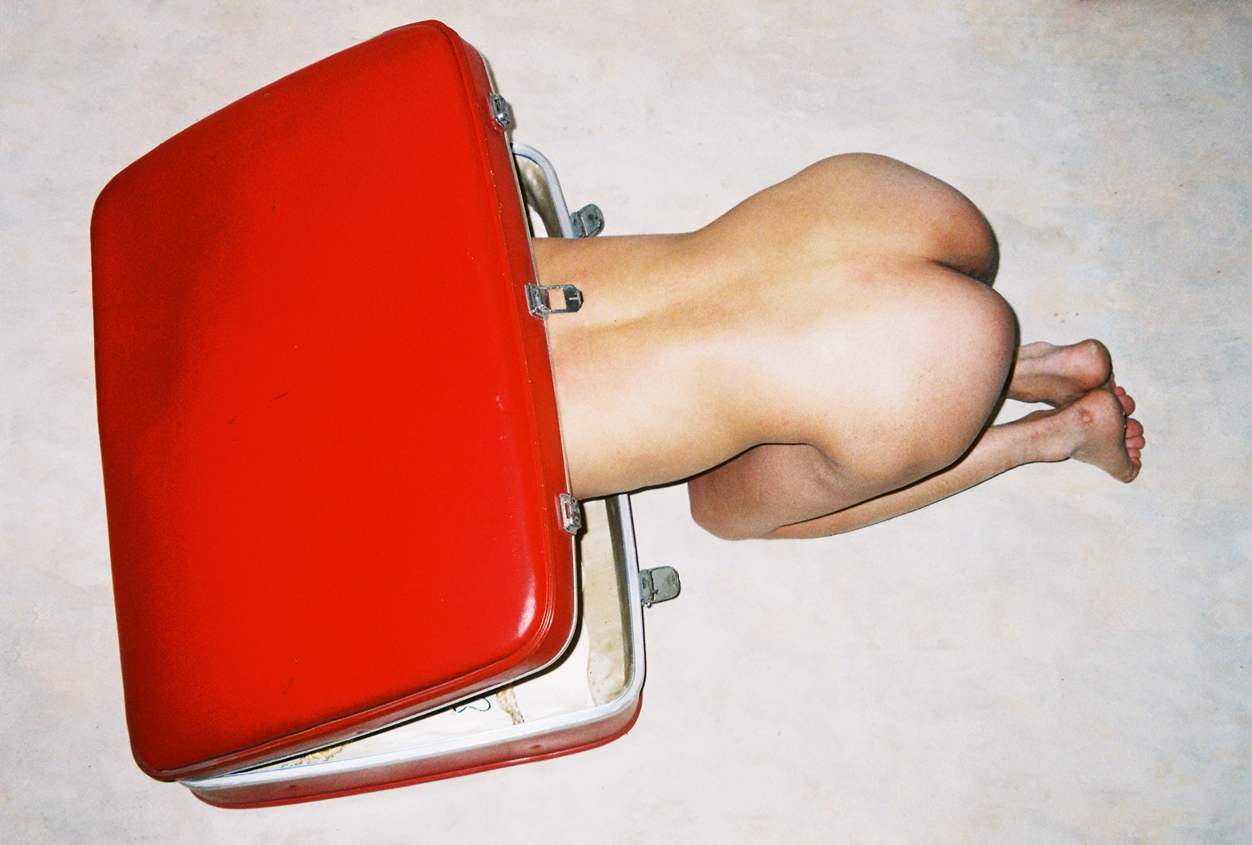 2011_06 (2011). Impression jet d'encre. Ren Hang, courtesy of Galerie Paris-Beijing.