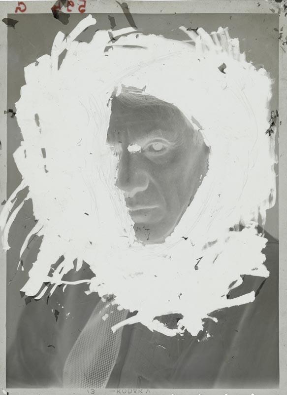 """Dora Maar """"Portrait de Picasso"""" (1935-1936). Négatif gélatino-argentique sur support souple en nitrate de cellulose."""