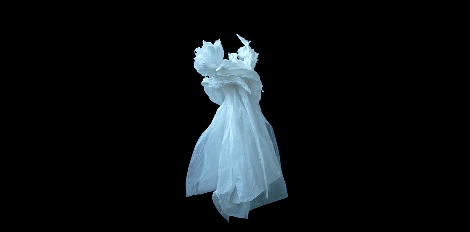 """Claudine Drai, """"Sans titre"""", 2018 Sculpture Papier de soie 120 x 70 x 70 cm © Adagp, Paris 2018-2019"""