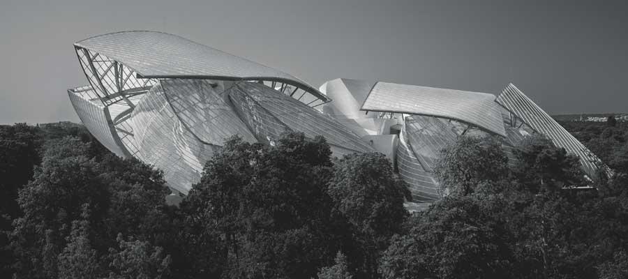 La fondation Louis Vuitton par Aitor Ortiz pour Numéro